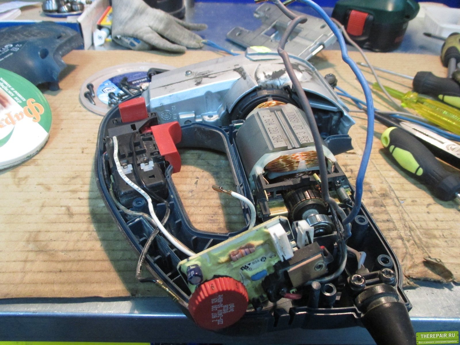 схема регулятора оборотов для электроинструмента